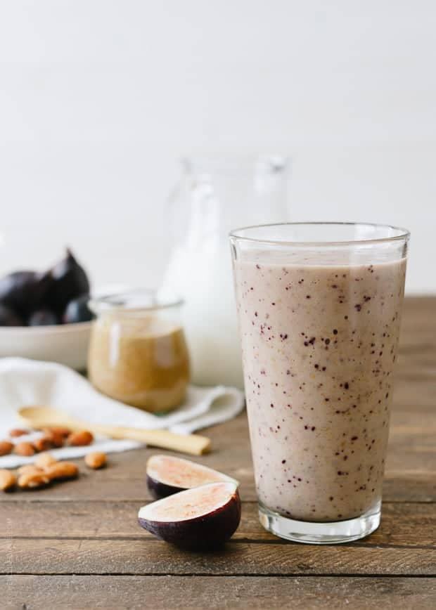Recipe Round-up: 12 mind-blowing ways to incorporate almonds in recipes | Fig and almond butter smoothie