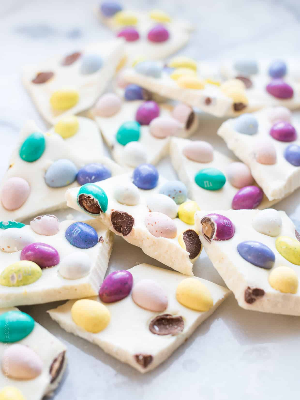 White Chocolate Easter Bark - the quickest treat you can make this Easter! All it takes is 3 ingredients and 5 minutes or less!