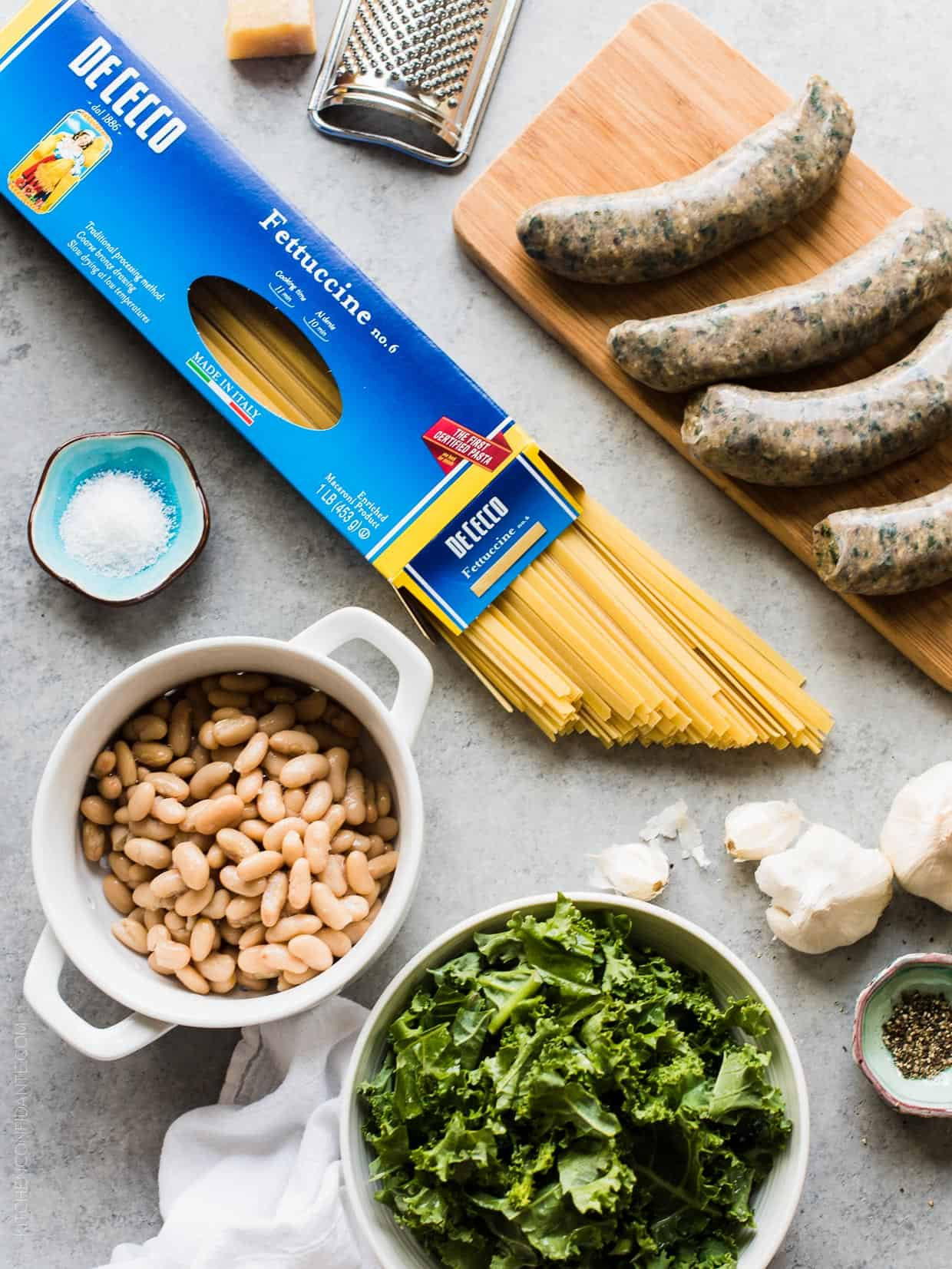 Fettuccini with Chicken Sausage, Kale and Cannellini Beans has everything you need, whether for pasta night or last minute entertaining!
