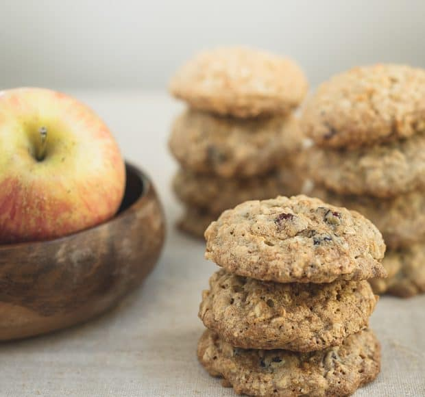 Apple Cranberry Oatmeal Cookies | www.kitchenconfidante.com