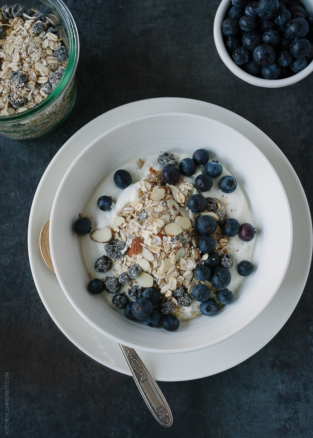 Blueberry Muesli | www.kitchenconfidante.com