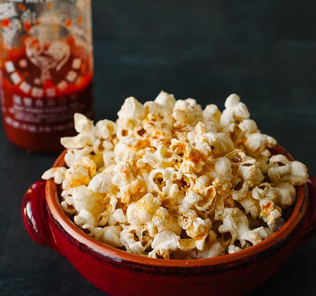 Spicy Sriracha Popcorn | www.kitchenconfidante.com