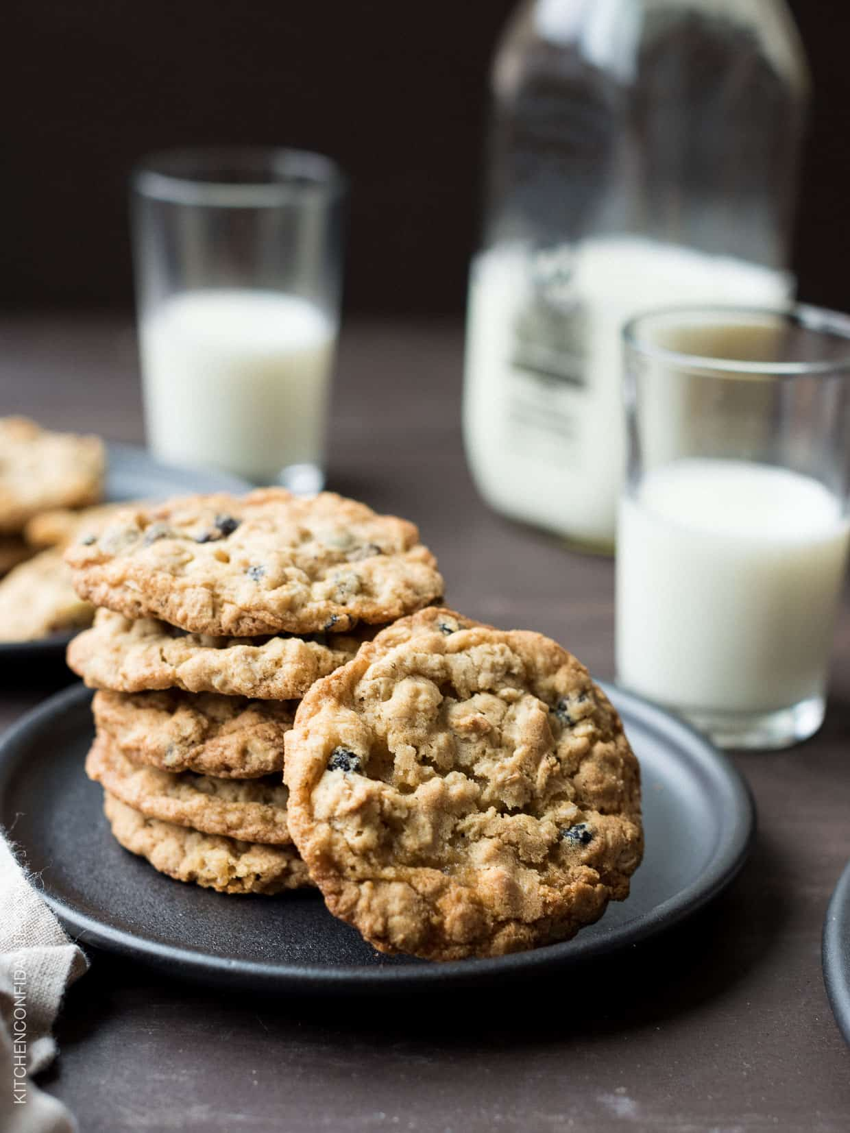 White Chocolate Chip and Currant Oatmeal Cookies