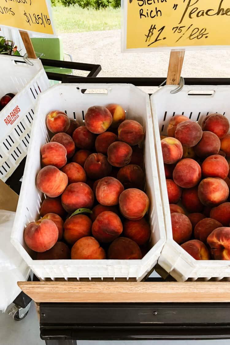Fresh peaches from Hudson Farms farm stand in Fresno, California.