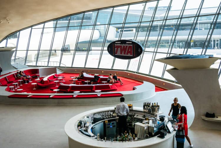 The Sunken Lounge, TWA Hotel // TWA Hotel Review